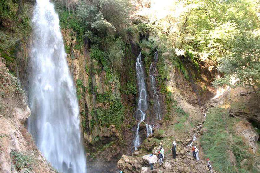 آبشار روستای شیوند